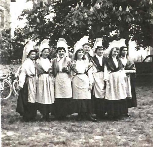 Groupe folklorique La Chapelle Bertrand 1955-1958